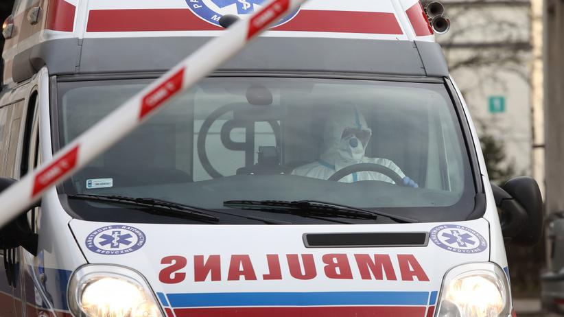 Koronawirus w Polsce. Kierowca z Jeleniej Góry zakażony, sanepid szuka pasażerów