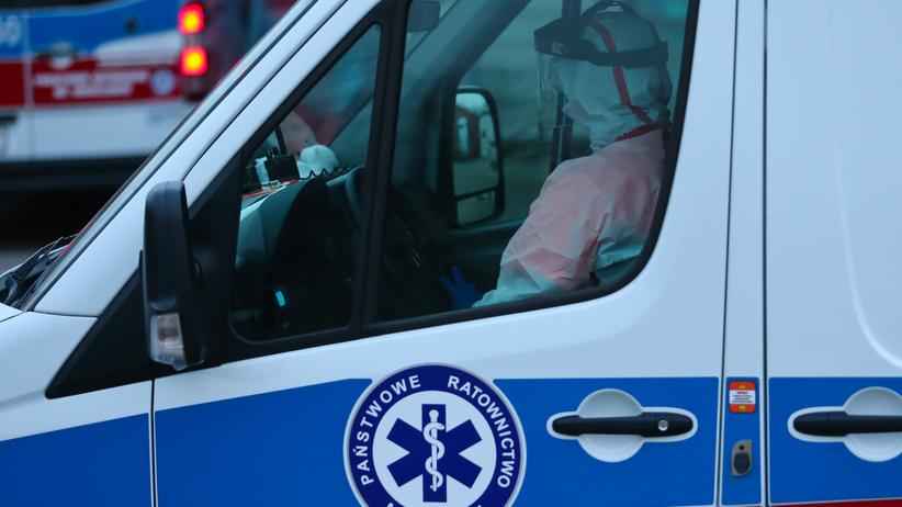 Kolejne poderzenie koronawirusa w Płocku. Mężczyzna wrócił z Wielkiej Brytanii