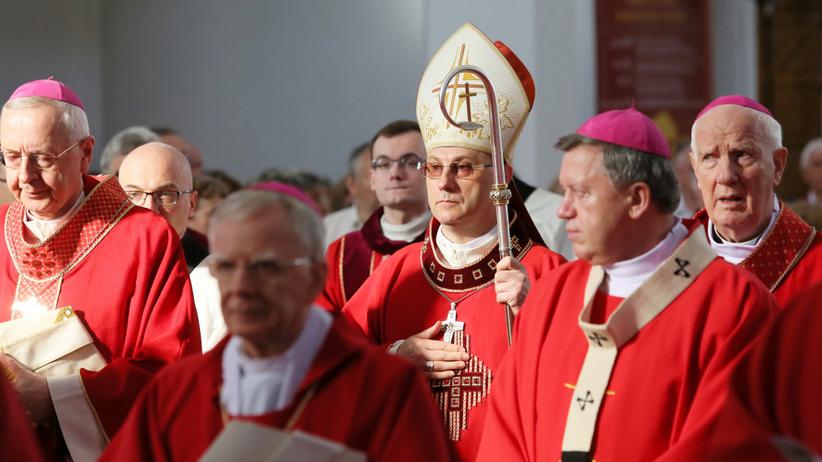 Kościół w Polsce traci wiernych