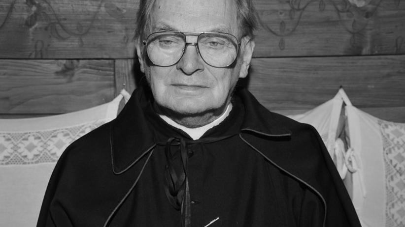 """Ks. Kazimierz Orzechowski nie żyje. Grał m.in. u Wajdy i w """"Złotopolskich"""""""