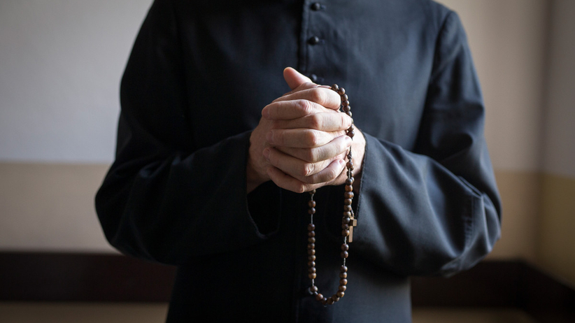 Ksiądz z Ząbkowic Śląskich wysyłał wulgarne sms-y do 13-latki