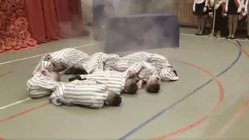 Łabunie. Dzieci z podstawówki przebrane z gestapo gazowały więźniów