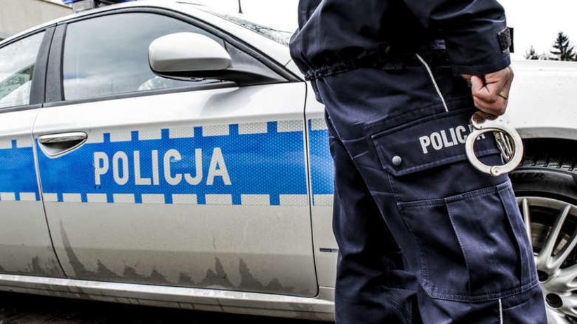 policjant bronił katowanego człowieka