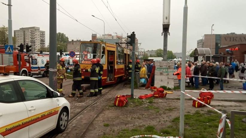 Tramwaj wypadł z szyn. Kilka osób jest rannych