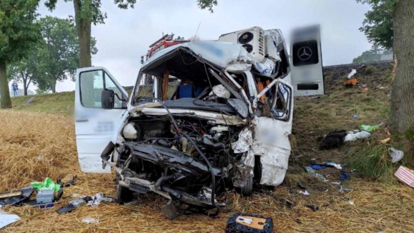 Wypadek na Dk12, zginęły dwie osoby