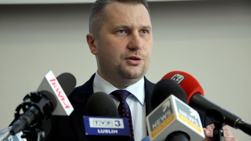 """Lublin. Wojewoda wręczył medale za """"walkę z LGBT"""". Zabrał też głos ws. pedofilii w kościele"""
