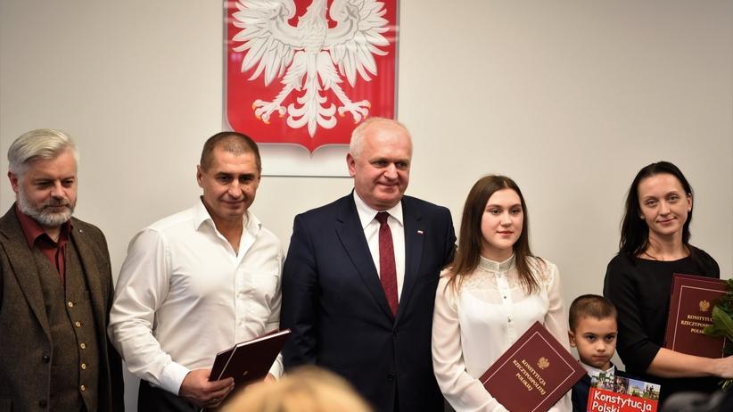 Ukrainiec uratował ludzi z makabrycznego wypadku na A6. Otrzymał obywatelstwo