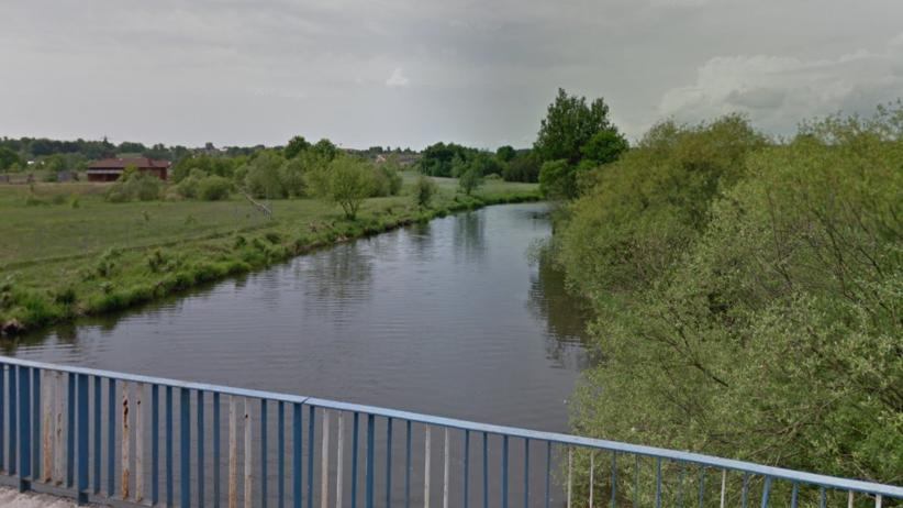Dwie ludzkie nogi wyłowione z rzeki. Policja szuka pozostałych części ciała