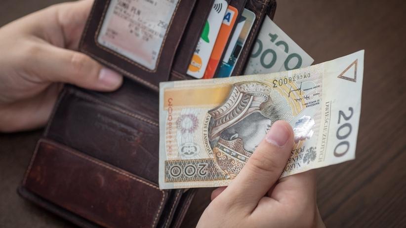 Polacy uczciwymi znalazcami portfeli. Oddajemy je nawet, gdy nie ma pieniędzy