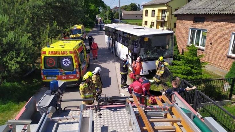 Wypadek autobusu szkolnego w Mąkolicach