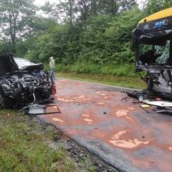 Wypadek w Małopolsce. Zderzenie autobusu miejskiego z samochodem osobowym