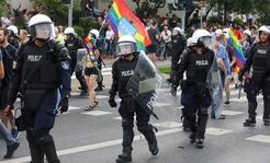 Brutalne ataki na uczestników marszu. Świat komentuje wydarzenia z Białegostoku