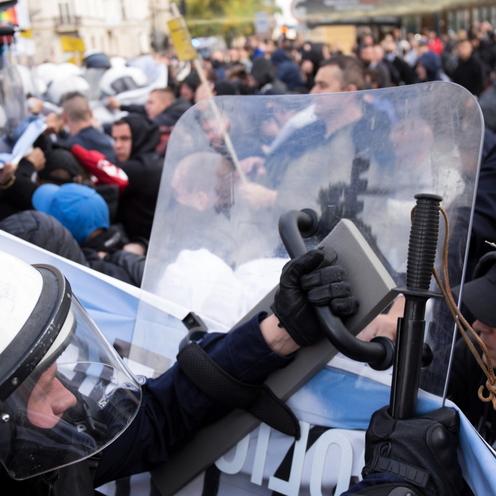 Marsz Równości w Lublinie. Policja użyła miotaczy gazu. Kontrmanifestanci zatrzymani