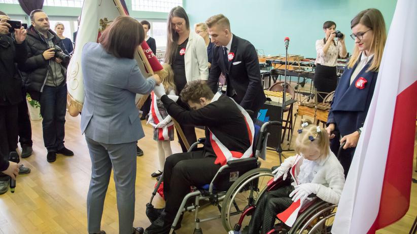 MEiN o dodatkowym roku szkolnym dla niepełnosprawnych uczniów
