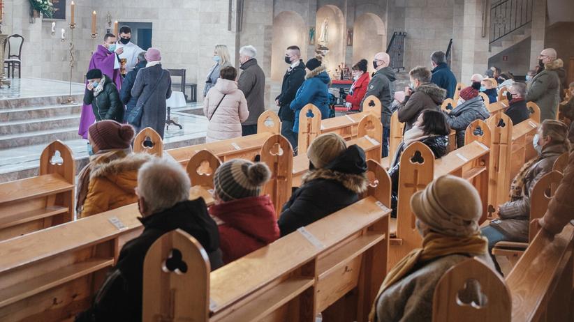 Obostrzenia w kościołach, dekret biskupa opolskiego