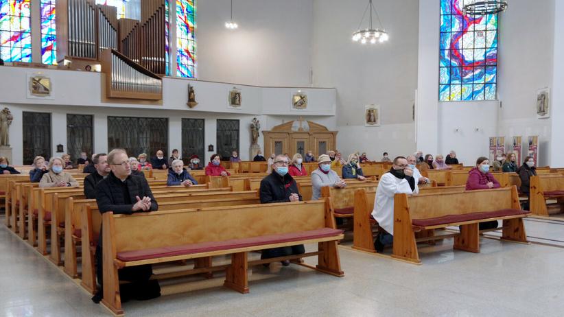 Obostrzenia w kościołach poluzowane