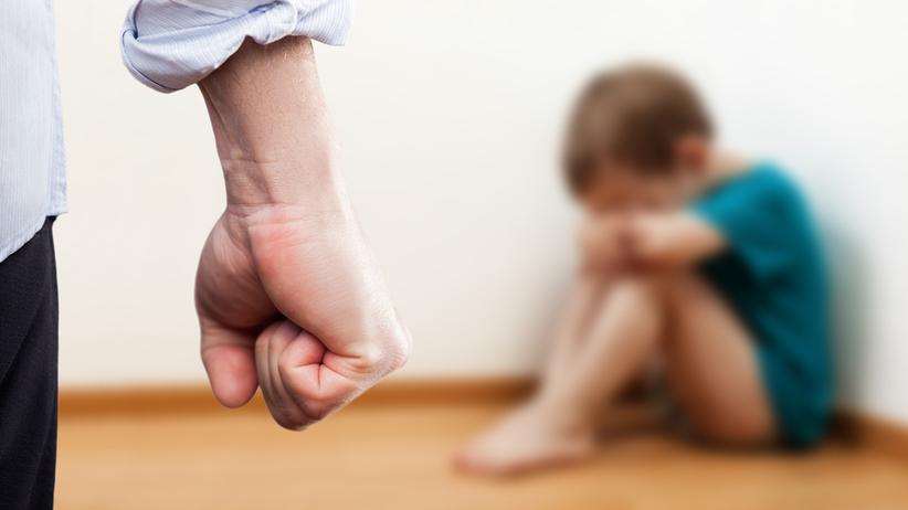 ojczym maltretował dziecko