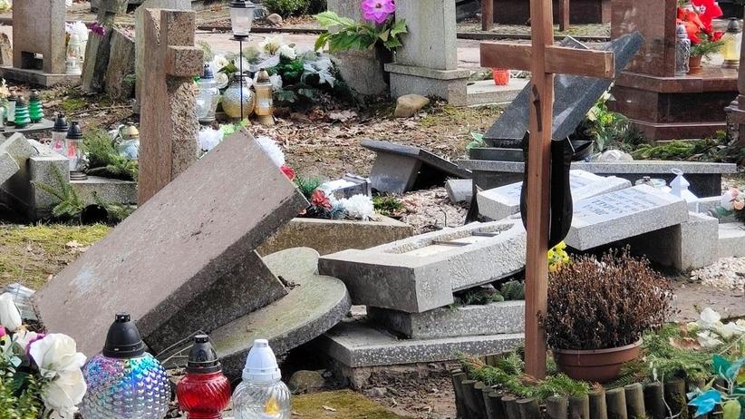 zdewastowali cmentarz w olsztynie