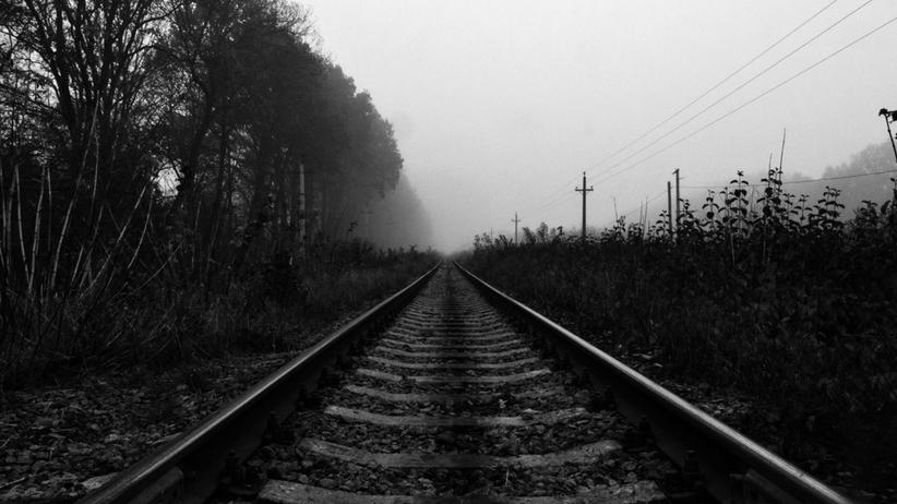 pociąg potrącił człowieka