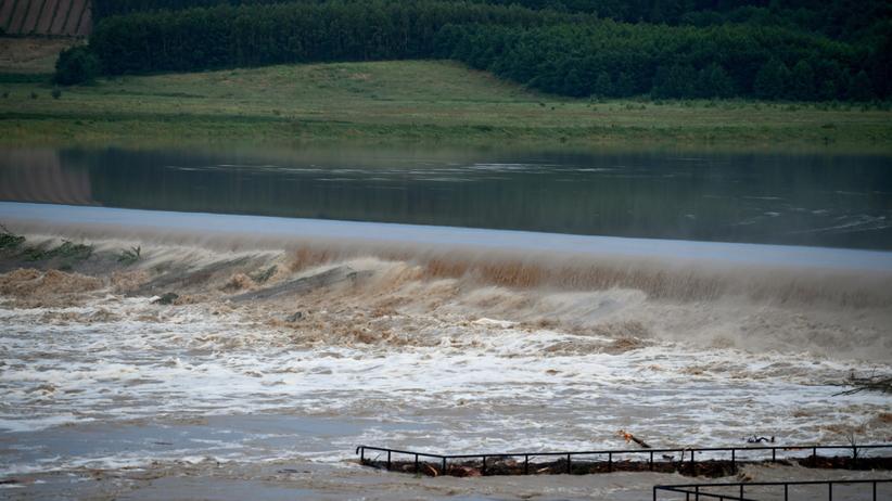 Dramatyczne relacje: małe potoki zamieniły się w rwące rzeki