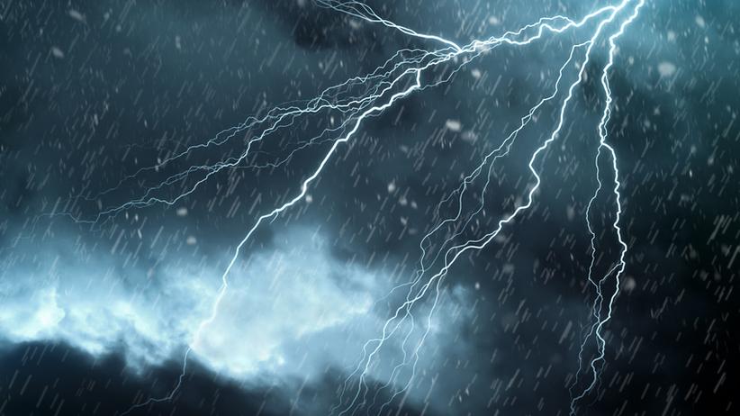 Znalezione obrazy dla zapytania burze deszcz