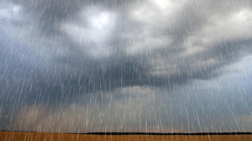 Deszcze, śnieg i zachmurzone niebo. Prognoza na środę