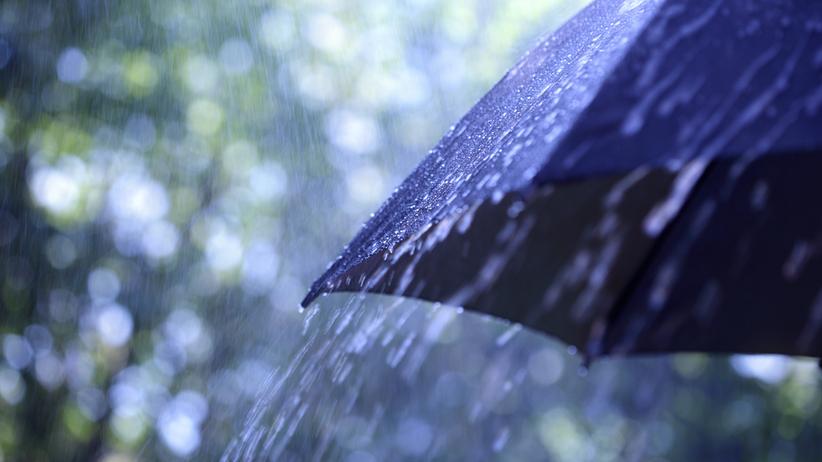 Pogoda. Opady deszczu i burze. Na termometrach do 21 stopni Celsjusza