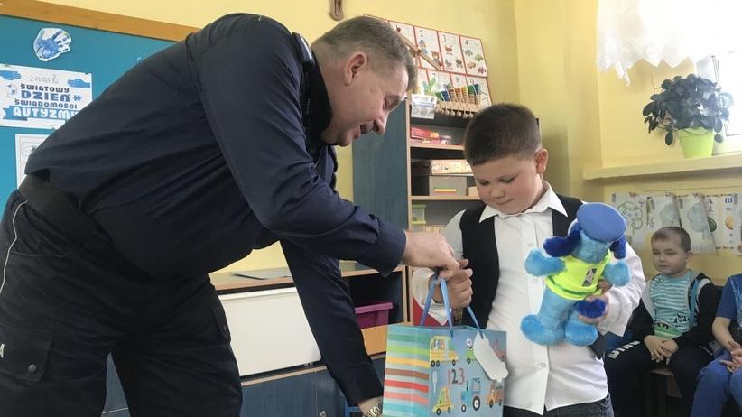 """6-letni Maciek uratował 3-latka, który wypadł z okna. """"Nie czuję się jak bohater"""""""