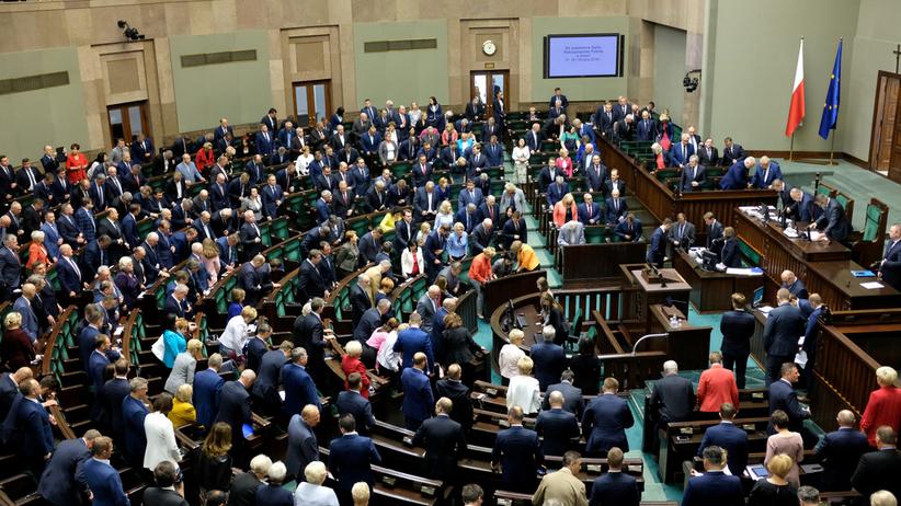 500 plus dla niepełnosprawnych uchwalone przez Sejm. Z ważną poprawką opozycji