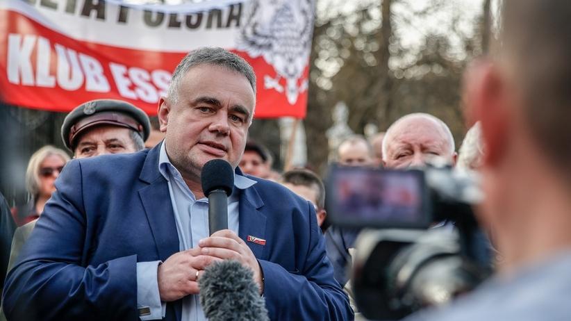 """""""Prawda o Smoleńsku kiedyś wyjdzie"""". Protest przed ambasadą Rosji"""
