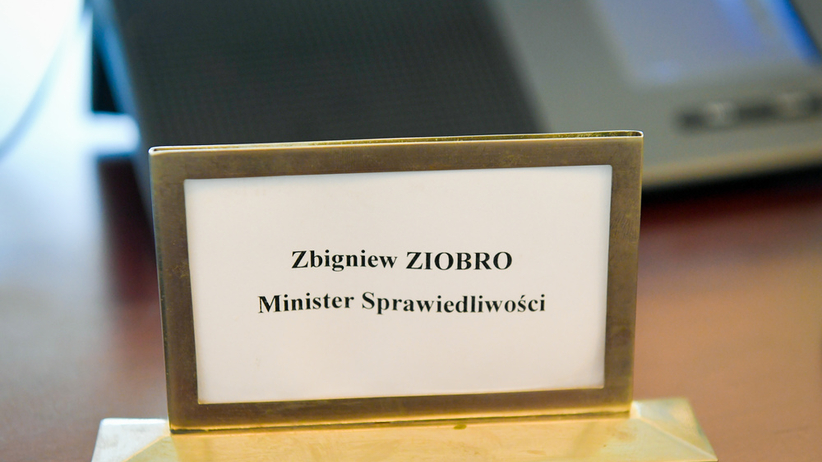 Prokuratura weszła do resortu Ziobry. Zabezpieczono komputery