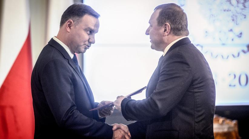 Nieoficjalnie: Duda żąda dymisji Kurskiego w zamian z podpis?