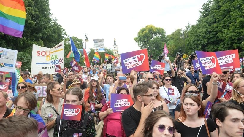 """W Białymstoku przeszła manifestacja """"Polska przeciw przemocy"""""""