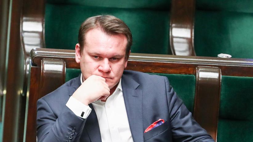 """Tarczyński skandalicznie atakuje posłankę Lewicy. """"Końcówkę wsadź sobie w mózg"""""""