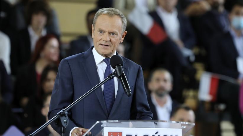 Donald Tusk wzywa Kaczyńskiego do zmiany konstytucji