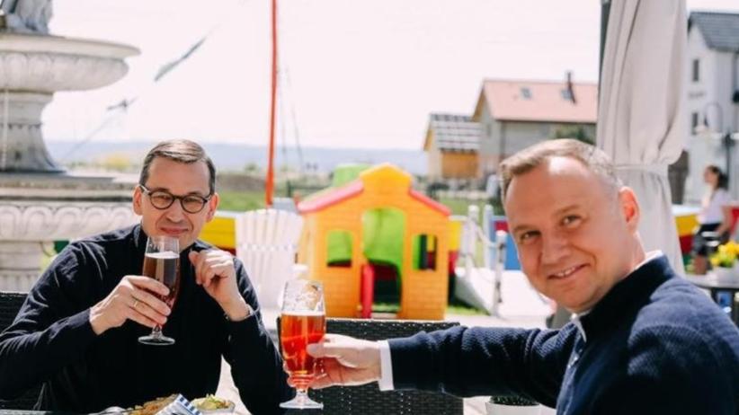 Duda i Morawiecki poszli na piwo