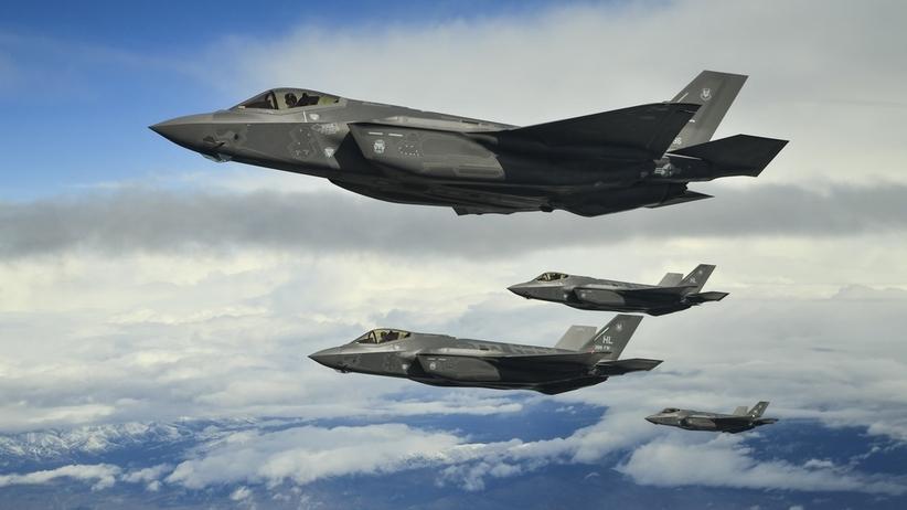 Polska kupi 32 samoloty F-35. Błaszczak: dołączamy do elity
