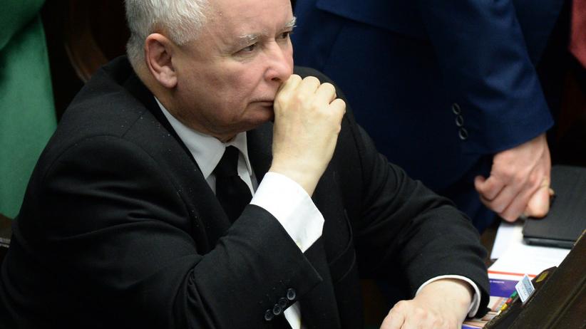 Prezes PiS przeszedł operację. W szpitalu odwiedził go minister zdrowia