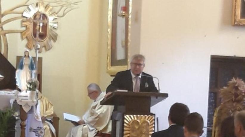 """Ryszard Czarnecki przemawia z kościelnej ambony. """"To skandal"""""""