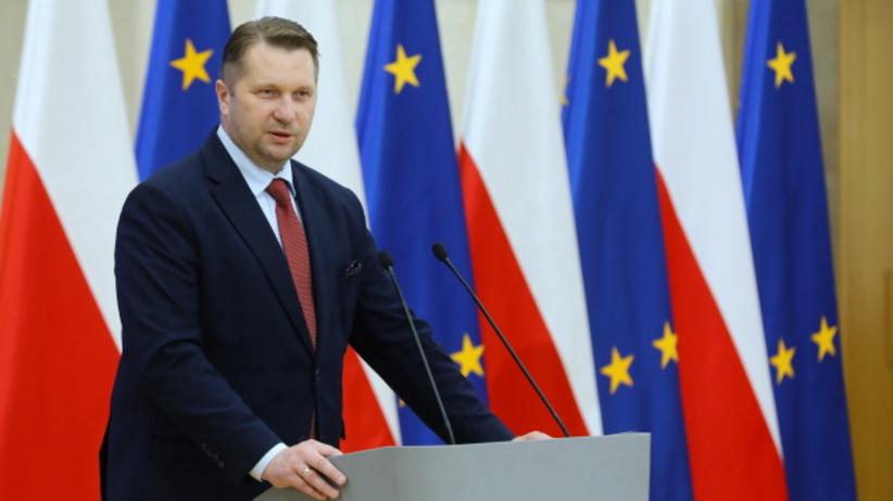 Minister edukacji i nauki Przemysław Czarnek podczas uroczystości z okazji Dnia Edukacji Narodowej