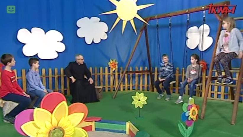 Ksiądz wychwalał PiS w programie dla dzieci. ''500 plus, czy to nie piękne?''