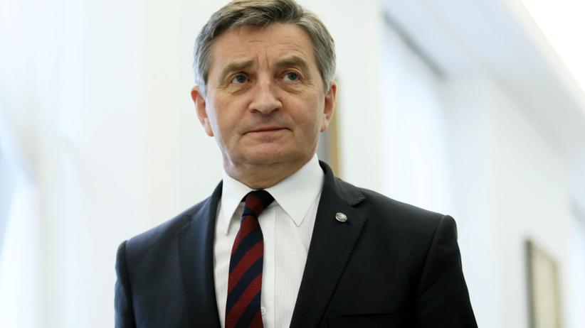 Kuchciński zabierał na pokład samolotu polityków PiS z rodzinami