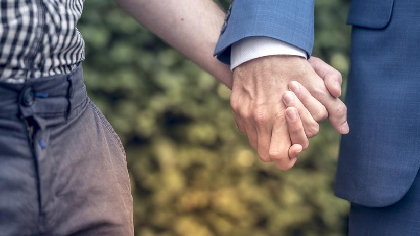 Sondaż. 46 proc. Polaków przeciwko małżeństwom homoseksualnym