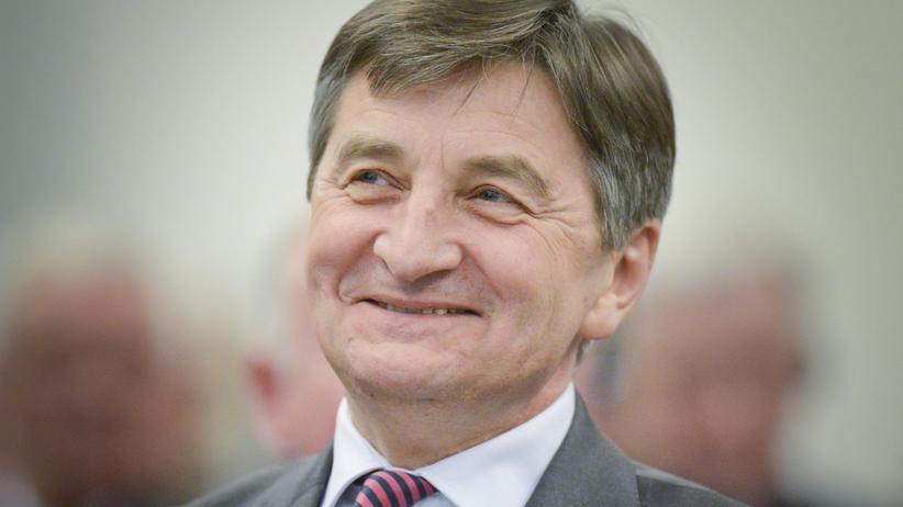 Marek Kuchciński zadbał o relaks dla posłów. Wydano fortunę na salon piękności w Sejmie