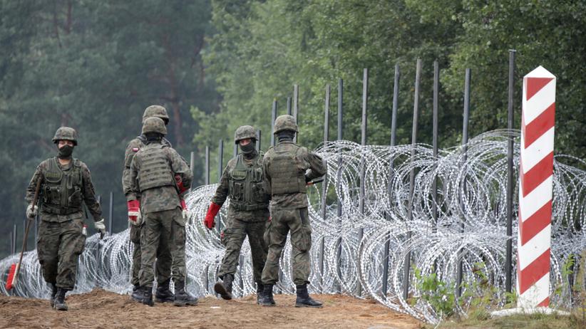 Żołnierze na polsko-białoruskiej granicy