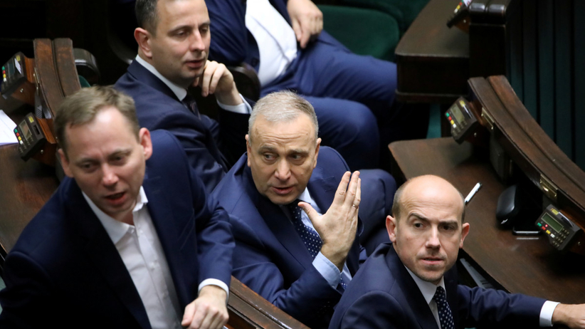 Opozycja przegrała głosowanie ws. ustawy dyscyplinującej sędziów, bo posłowie nie przyszli do pracy