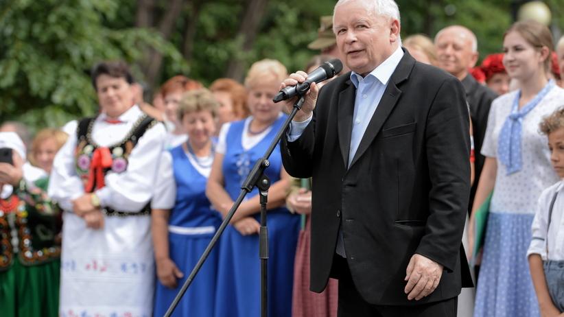 """Prezes PiS """"wdzięczny"""" Jędraszewskiemu. Niedzielny piknik rodzinny PiS"""