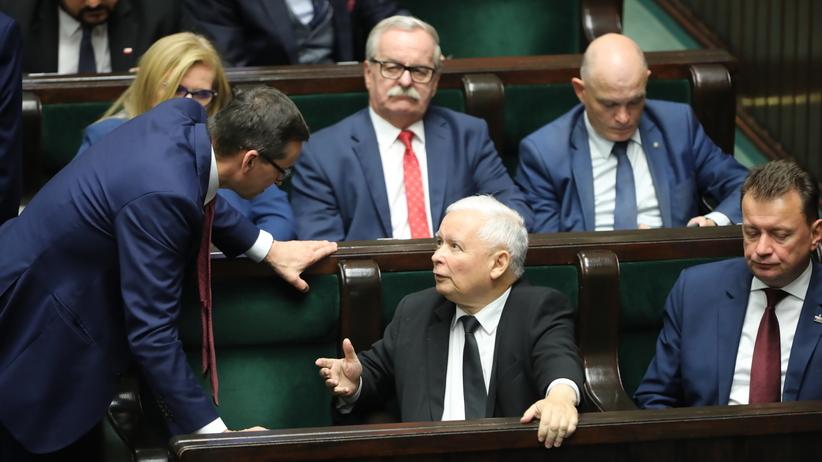 Dobry sondaż dla PiS, ale rząd bez większości w Sejmie