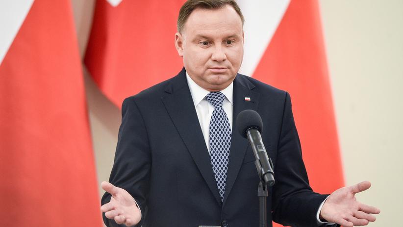 Polacy oceniają prezydenta Andrzeja Dudę. Najnowszy sondaż CBOS