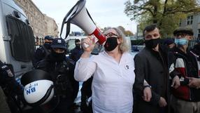 Starcia z policją na Wiejskiej. Protestujący próbowali dostać się do Sejmu